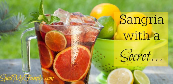 This is hands down the best Sangria - and it has an amazing secret ingredient! www.themidlifemamas.com #sangriarecipe #sangria #ningxia #ningxiasangria #youngliving