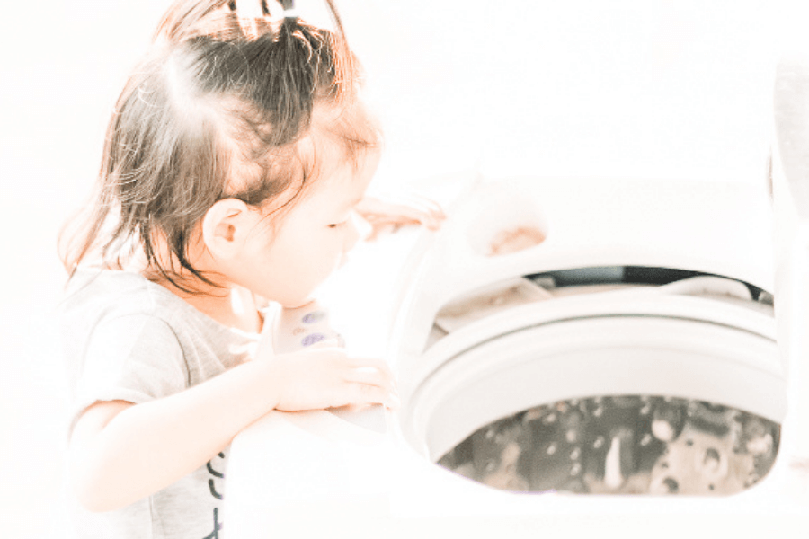 Natural Cleaning Products That Really Make Laundry Sparkle